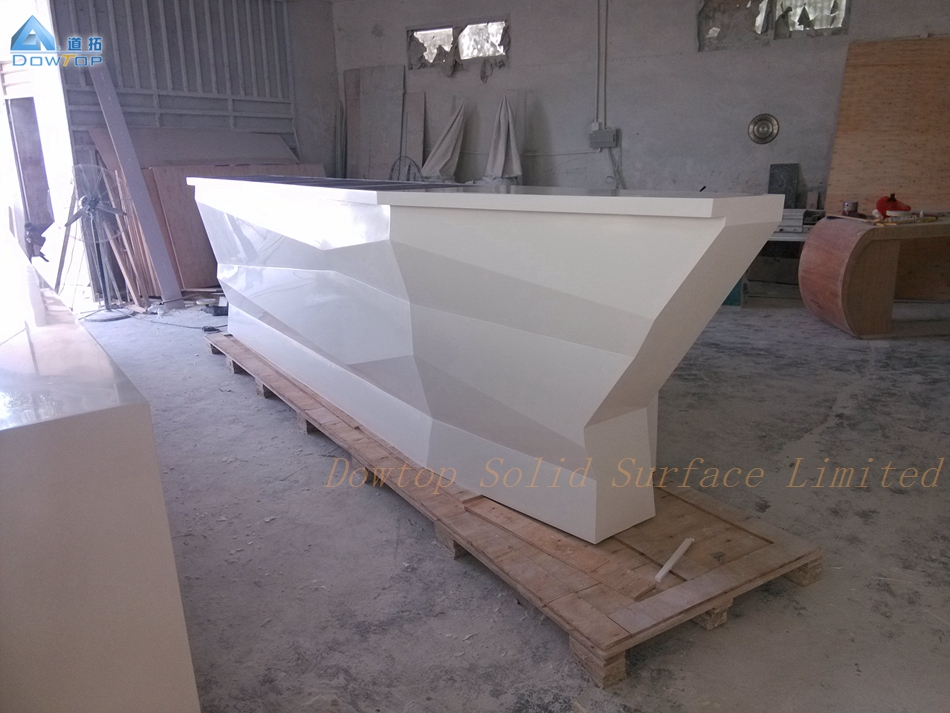 Boat shaped diamond pure white bar counter